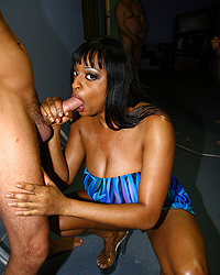 19 Gay Black Guys   Carmen Hayes In Da Booty