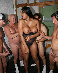 21 Black Shemale Fucks White Girl   Sandi Jackmon